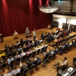 Large-scale event: Les in vertrouwen